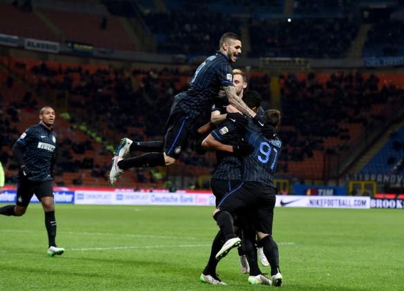 Oltre a non esultare dopo i gol, ecco Icardi scatenare la rissa in campo con i compagni. Spogliatoio spaccato. Crisi Inter. Dov'è la Società?